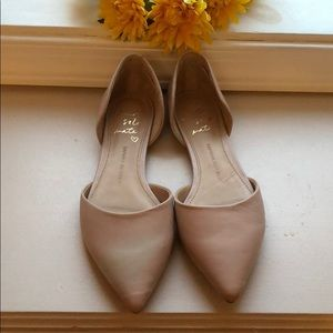 Banana Republic size 6 flat shoes